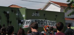 A reitoria tem medo de que as manifestações contra os processos levem à ocupação da Procuradoria-Geral e já deixou claro que suspenderá as audiências caso os estudantes continuem a protestar.