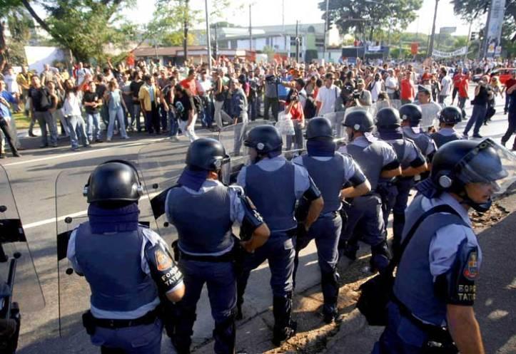 Desde 2009, PM entrou na USP para atacar mobilizações e greves.