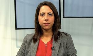 Professora Laura Carvalho.